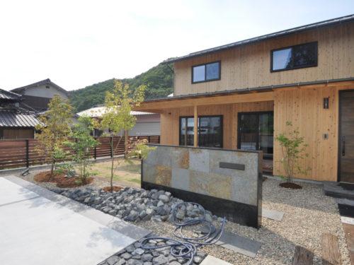 兵庫県西脇市黒田庄町 天然木を使って令和3年にフルリノベーション済み自然に囲まれた黒田庄町でスローライフ始めませんか♪