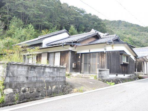 兵庫県多可郡多可町八千代区<br>播磨富士を眺めながら田舎暮らしを愉しみませんか(^^♪