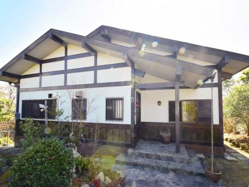 岡山県備前市 ゆったりと寛げる広々リビングの別荘物件♪