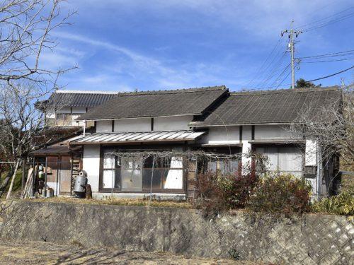 岡山県津山市 田舎暮らしを楽しめる♪ひな壇地の平家建物件!