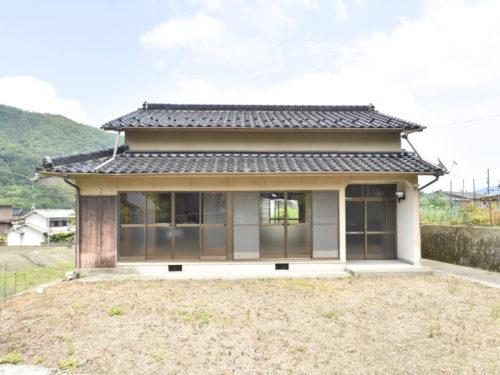 兵庫県宍粟市 3DKの平屋建てのお家です♪