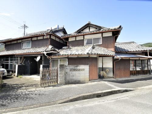 兵庫県赤穂郡上郡町 幹線道路沿いに建つ元店舗付きの6SDK日本家屋物件