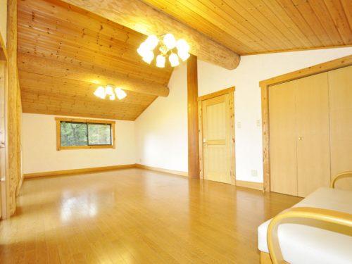 2階 洋室16畳
