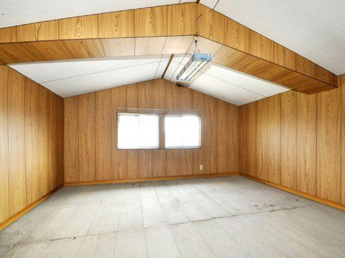 2階 板間8畳