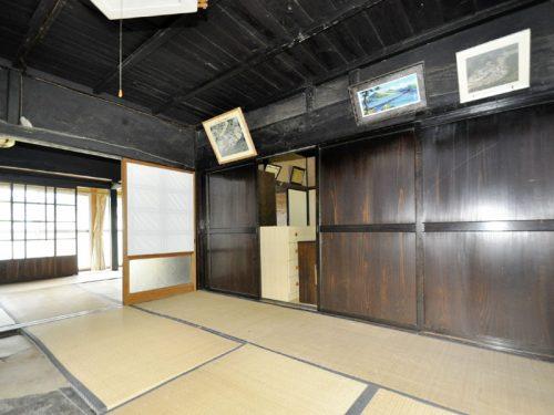 田の字型の続き間の和室