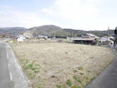 兵庫県たつの市 静かな集落の835.4㎡(約252坪)の土地物件!