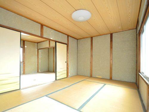 1.5階続き間の和室