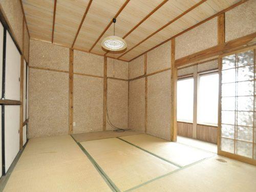 地下0.5階和室6畳